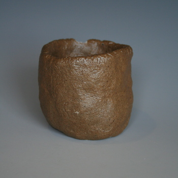 self-glazing clay incorporating dug-up clay
